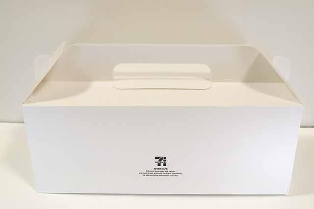 セブンイレブンのドーナツお持ち帰りの箱