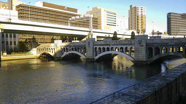 水晶橋昼の写真