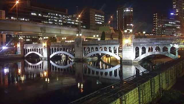 水晶橋夜の写真