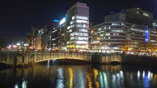 淀屋橋夜の写真